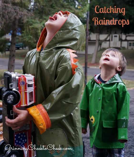 Catching Raindrops Kidorable