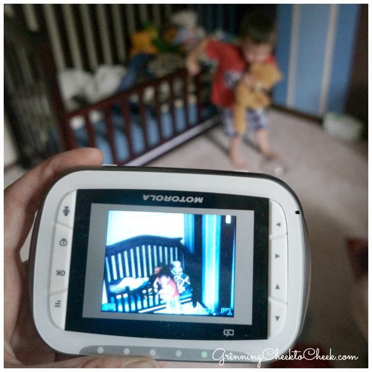 motorola mbp41 best video baby monitor out there grinning cheek to cheek. Black Bedroom Furniture Sets. Home Design Ideas