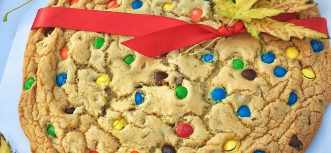 Happy Fall!  Giant Cookie Recipe